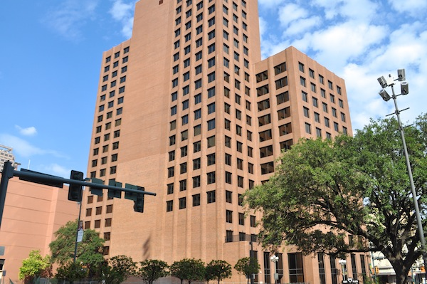 The 20-story Riverview Towers at 111 Soledad St. is owned by Primera Partners. Photo by Iris Dimmick.