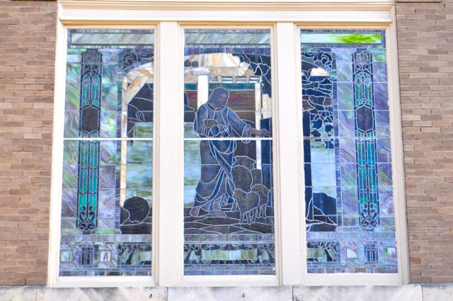 Stained glass windows on the former church at 1150 S. Alamo St. Photo by Iris Dimmick.