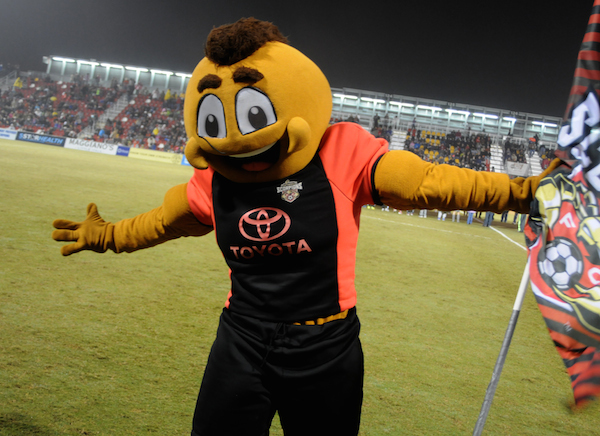 The San Antonio Scorpion mascot successfully encourages fans through the final game. Photo by Kristian Jaime.