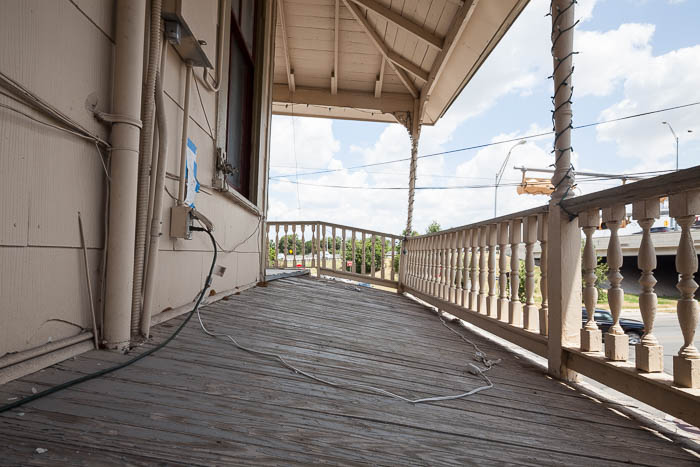 Upstairs balcony of the Boehler House. Photo by Scott Martin for the Pearl.