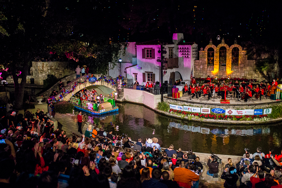A float enters to the Arneson River Theater during the Holiday River Parade. Photo by Scott Ball.