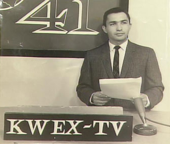 Long-time KWEX employee Andres Ricardo Morin reads the news. Photo courtesy sintv.org.