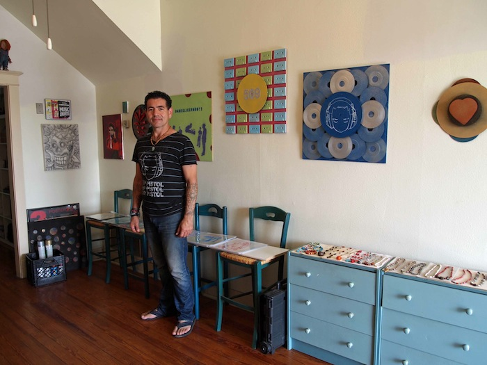 Ernesto Olivo in his studio. Photocourtesy of Bihl Haus Arts.