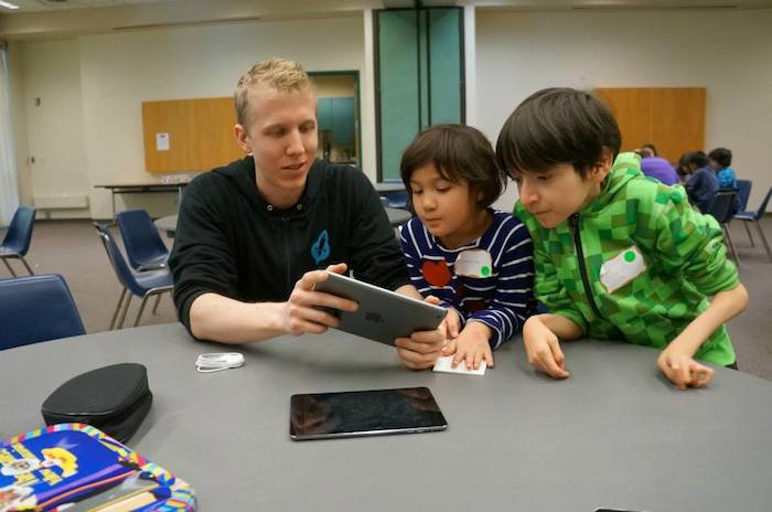 Director of Programs Nick Honegger instructs during VentureLab's Gamer course. Courtesy photo.
