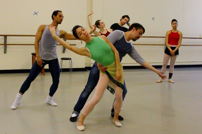 Zertuche sets choreography on Carol Tang and José Gonzalez as understudies follow. Photo by Tami Kegley.