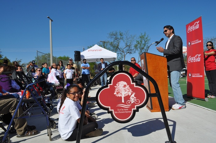 Councilmember Roberto Treviño (D1) speaks during the Labor Street Park grand opening. Photo by Iris Dimmick.