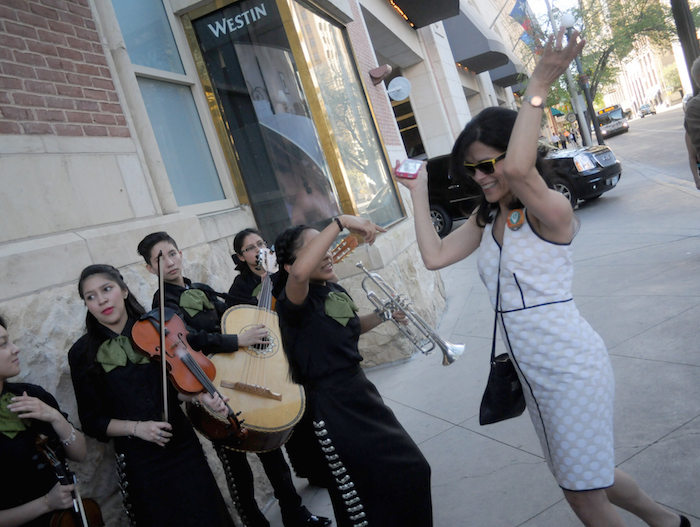 Mariachi Las Morenitas compelled patrons to dace while waiting for the inaugural run of the inaugural run of The E from Via Metropolitan Transit. Photo by Kristian Jaime Photography.