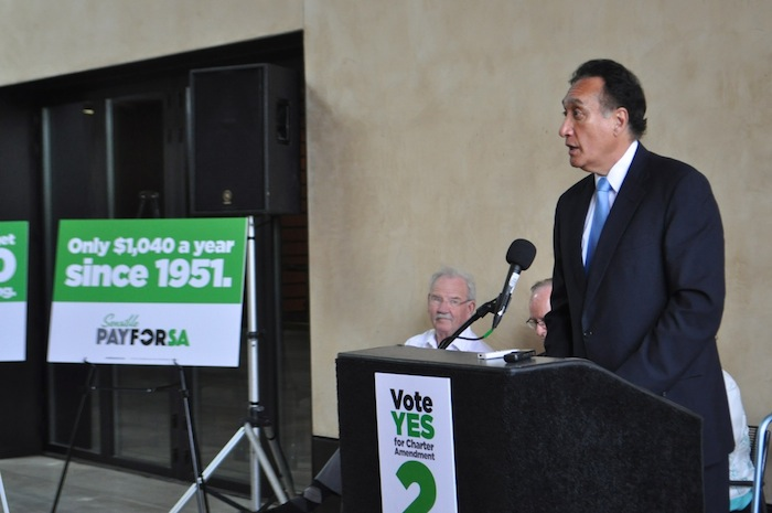 Former Mayor Henry Cisneros speaks in support of the Sensible Pay for SA campaign. Photo by Iris Dimmick.