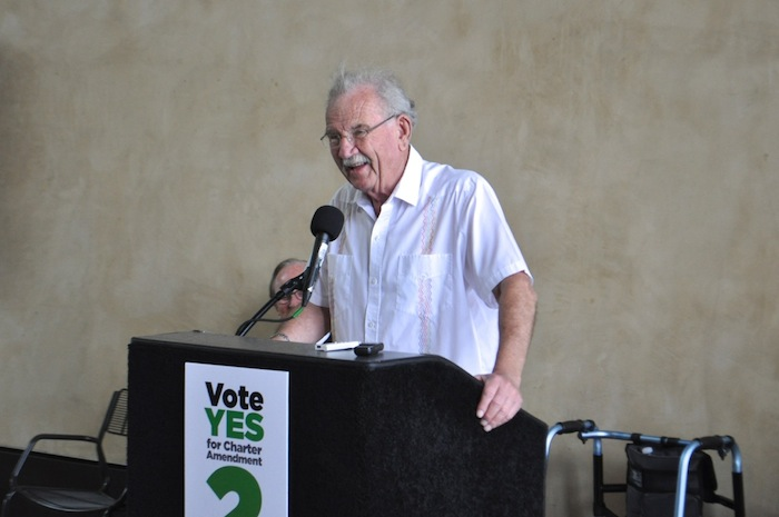 Former MayorPhil Hardberger speaks in support of the Sensible Pay for SA campaign. Photo by Iris Dimmick.