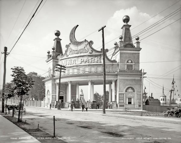 Luna Park. Historical photo.