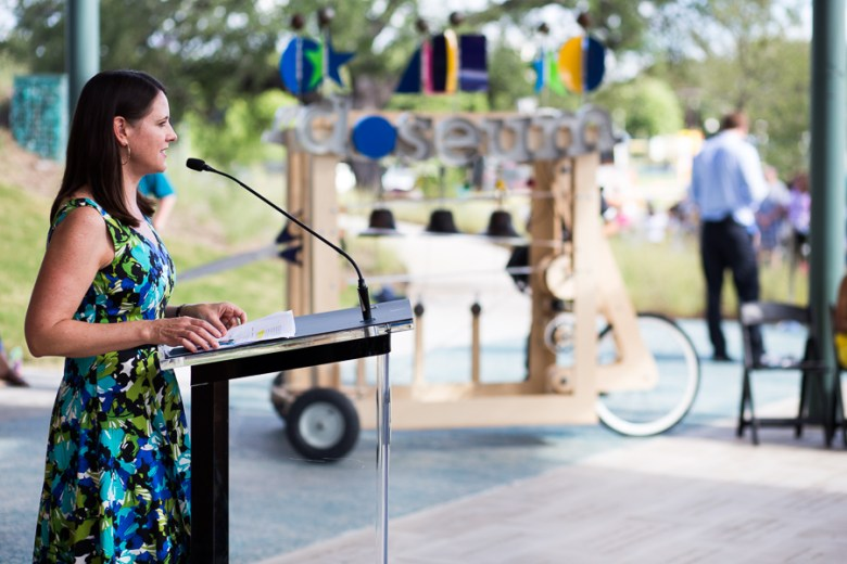 DoSeum CEO Vanessa Lacoss Hurd speaks to the crowd. Photo by Scott Ball.