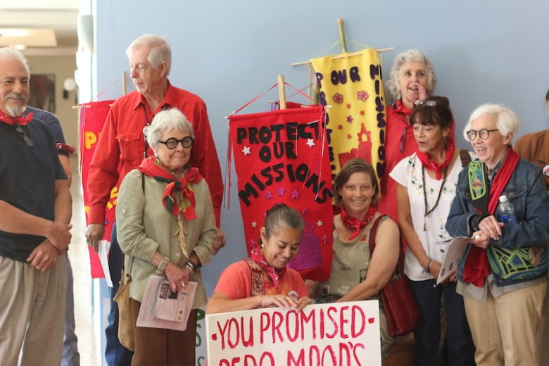 The San José Neighborhood Association attended the symposium on Saturday. Photo by Joan Vinson.