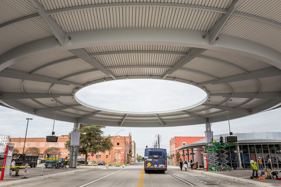 A Via bus passes through Centro Plaza. Photo by Scott Ball.