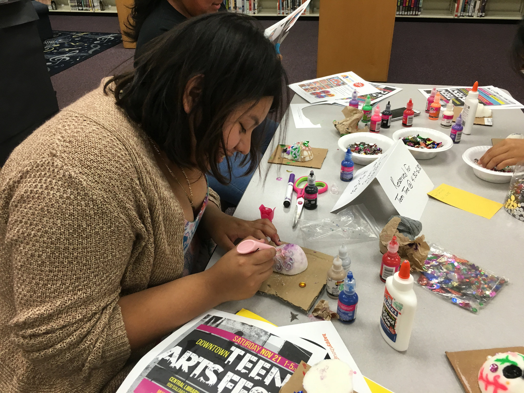 Teens participate in weekly arts and crafts projects at the Teen Library at Central. Photo by 210TeenLibrary.