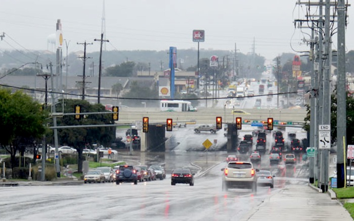 Looking towards IH 10 on Wurzbach Road, this is truly the traffic center of the city. Photo by Warren Lieberman.