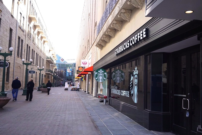 Shops line Blum Street, a walkway that connects pedestrians from South Alamo Street and Alamo Plaza to the Rivercenter Mall. Several shops have entrances both in and outside the mall. Photo by Iris Dimmick.
