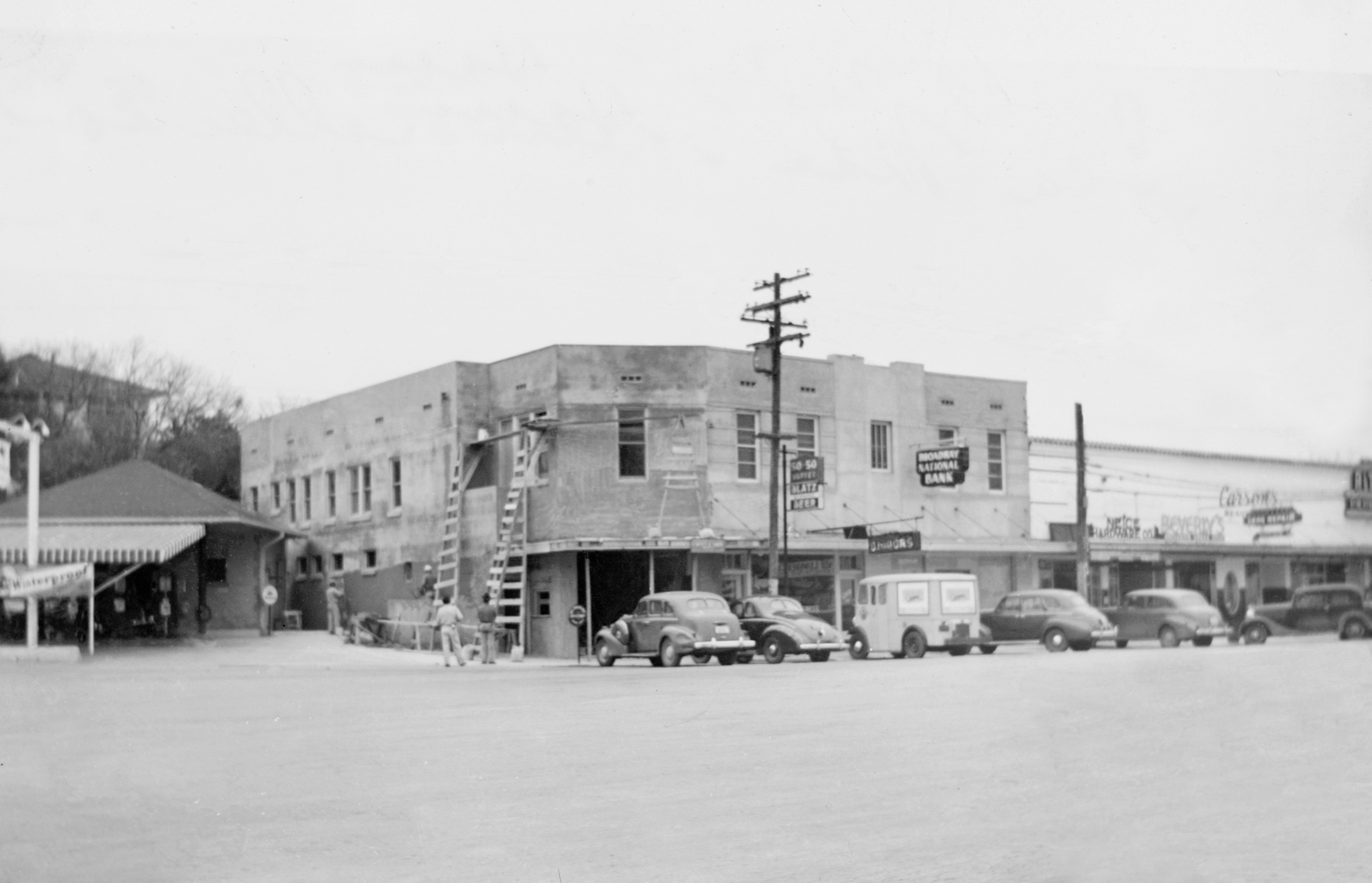 Broadway Bank's first building at 5201 Broadway in Alamo Heights. Photo courtesy of Broadway Bank.