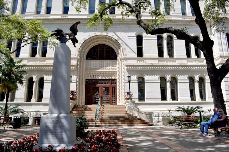 San Antonio City Hall. Photo by Iris Dimmick.