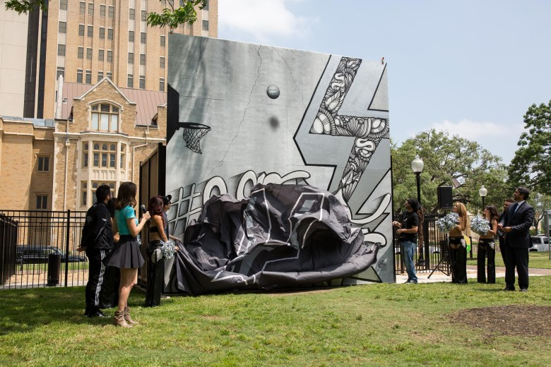 The unveiling of a mural painting the town silver and black in honor of the San Antonio Spurs by Shek Vega and Nic Soupé (3/4). Photo by Scott Ball.