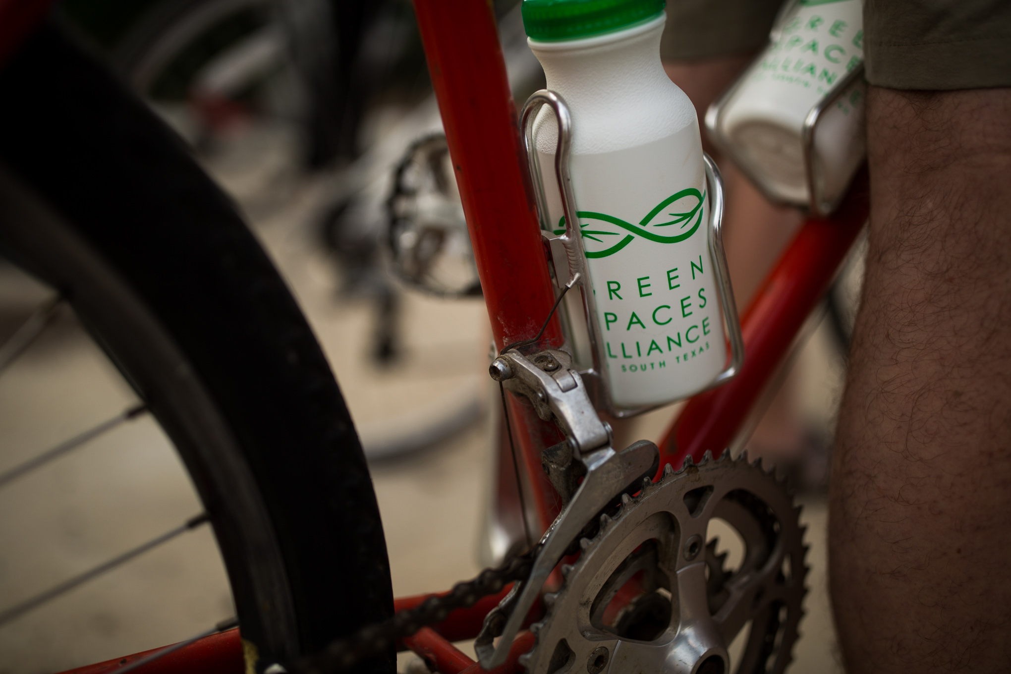 A Green Spaces Alliance water bottle is filled and ready for the ride. Photo by Scott Ball.