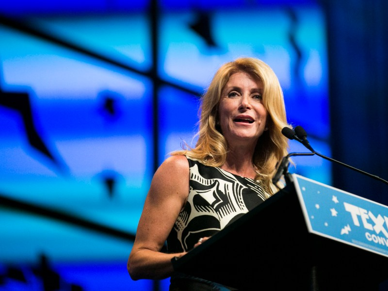 Former TX state senator Wendy Davis introduces The Honorable Julian Castro. Photo by Kathryn Boyd-Batstone.