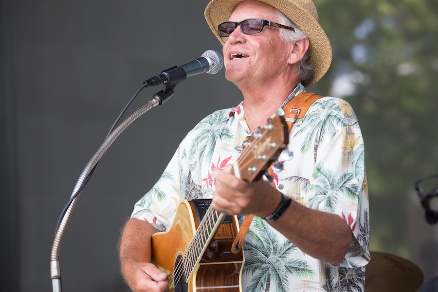 """Texas Tide lead singer Gary """"Dr. Beach"""" Biel performs at the McNay Art Museum. Photo by Michael Cirlos."""