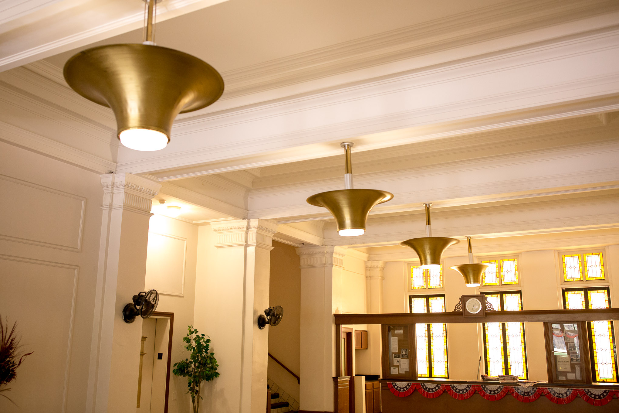 The interior lobby of the Robert E. Lee Apartments. Photo by Scott Ball.