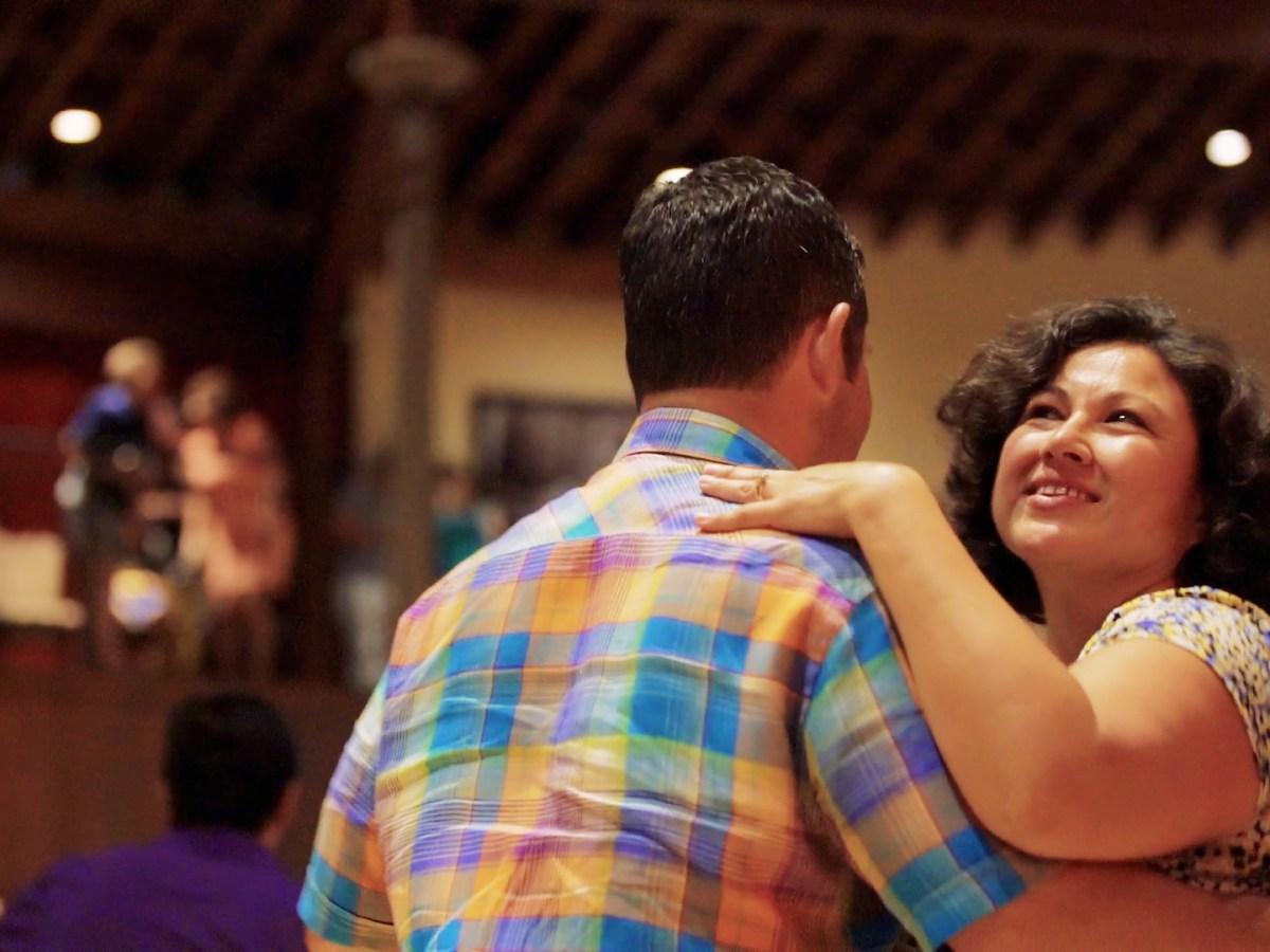 Summer Dance Hall Series with Doc Watkins at the Pearl Stable draws large crowds. Photo by Kathryn Boyd-Batstone.
