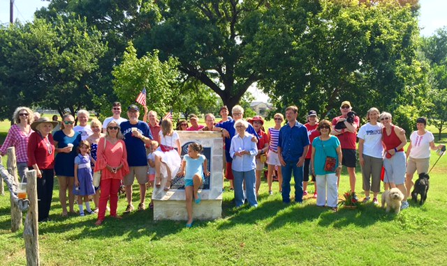 Members of the River Road Neighborhood gathered at Davis Park during the 4th of July. Photo by William Sibley.