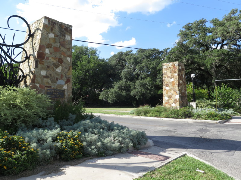 The Brackenridge Park entrance on the city's Broadway Corridor just north of downtown San Antonio. Photo by Rocío Guenther.