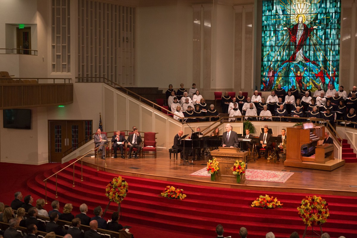 Longtime friend of Howard, Jack Willome gives a tribute to his old friend. Photo by Scott Ball.