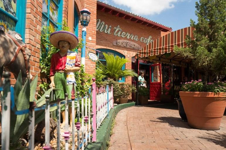 The entrance to Mi Tierra Café y Panadería. Photo by Scott Ball.