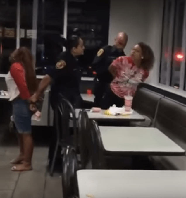 antiguo Nube terremoto  Teens' Arrests at Converse Whataburger Raise Controversy