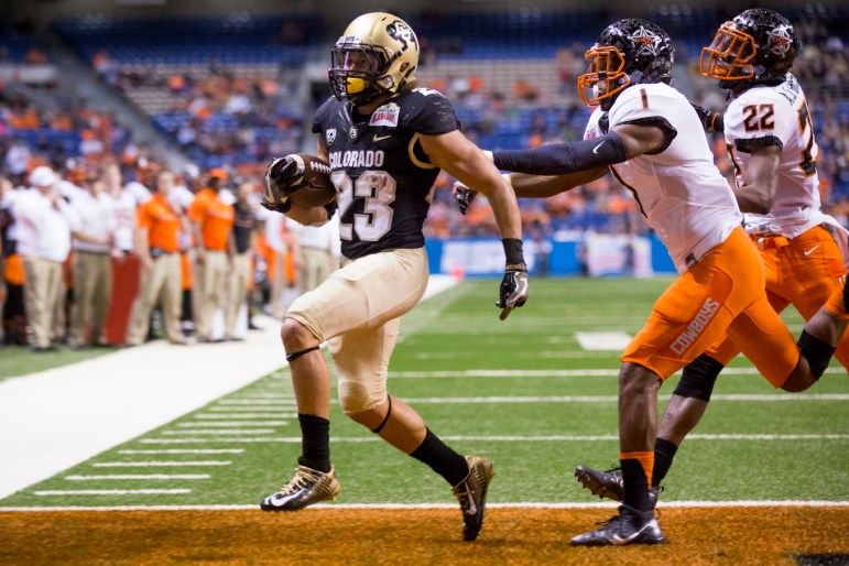 Colorado Buffaloes running back Phillip Lindsay makes a touchdown for Colorado University during the fourth quarter making the score 31-8.