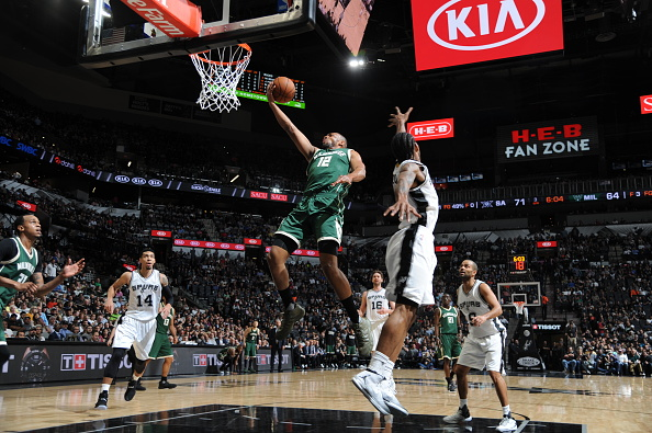 Jabari Parker #12 of the Milwaukee Bucks goes to the basket against the San Antonio Spurs on January 10, 2017 at the AT&T Center in San Antonio, Texas.