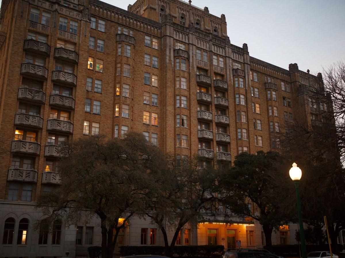 Aurora Apartments at 509 Howard St.