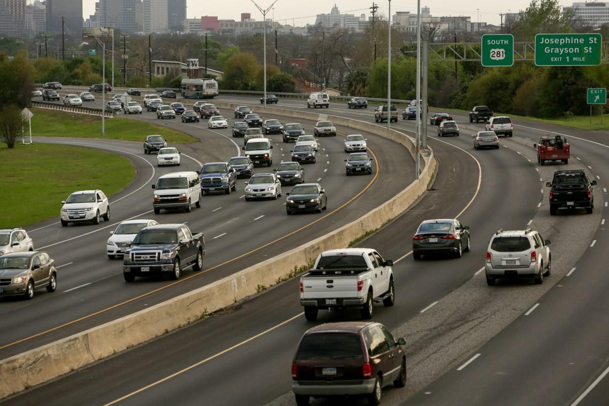 Traffic on Highway 281 in San Antonio.