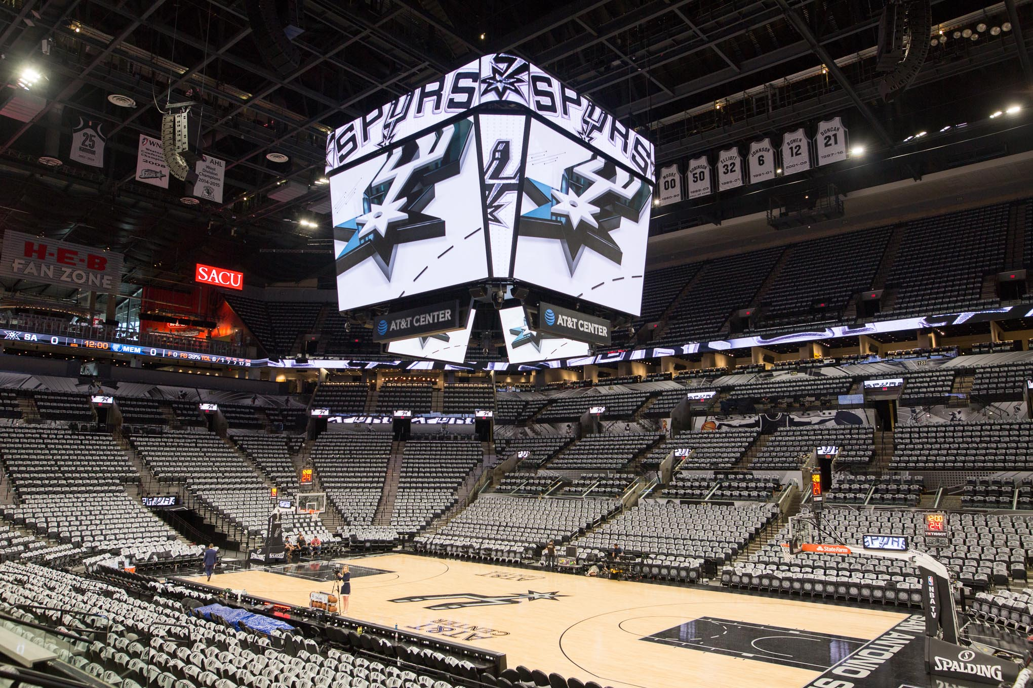 Introduced By The Spurs The Jumbotron Marks A Sports Arena Milestone