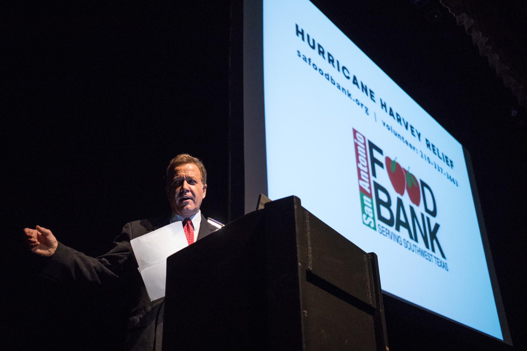 News 4 San Antonio anchor Randy Beamer announces that the proceeds made PechaKucha Vol. 27 will be donated to the San Antonio Food Bank for Hurricane Harvey relief.