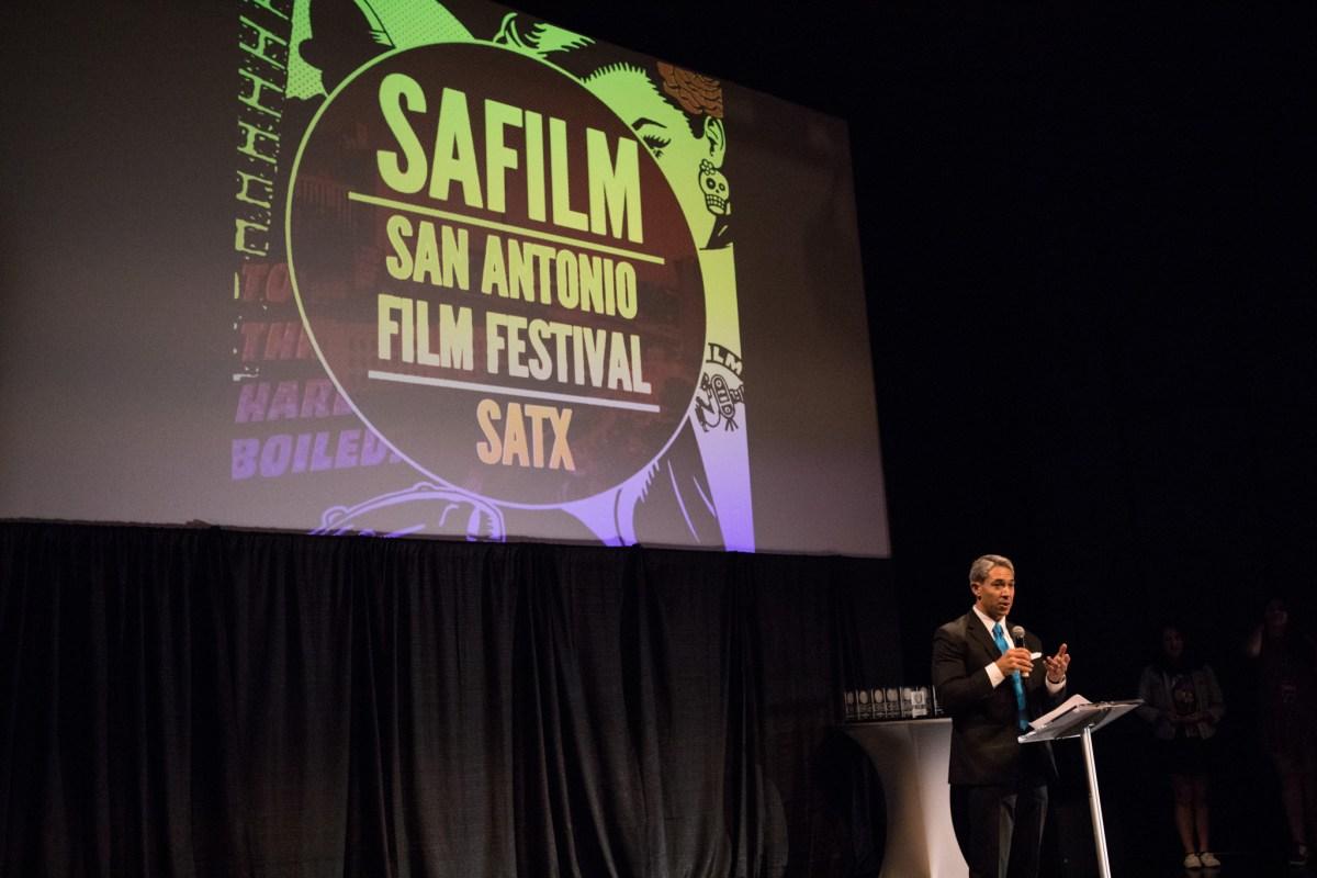 Mayor Ron Nirenberg addresses the audience at the San Antonio Film Festival.