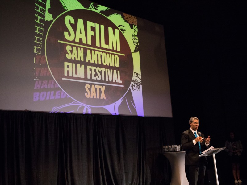 Mayor Ron Nirenberg addresses the audience at the San Antonio Film Festival.