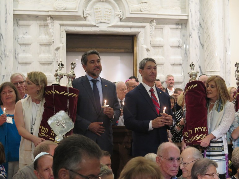 Councilman Roberto Treviño (D1) and Mayor Ron Nirenberg attended the Friday night service.