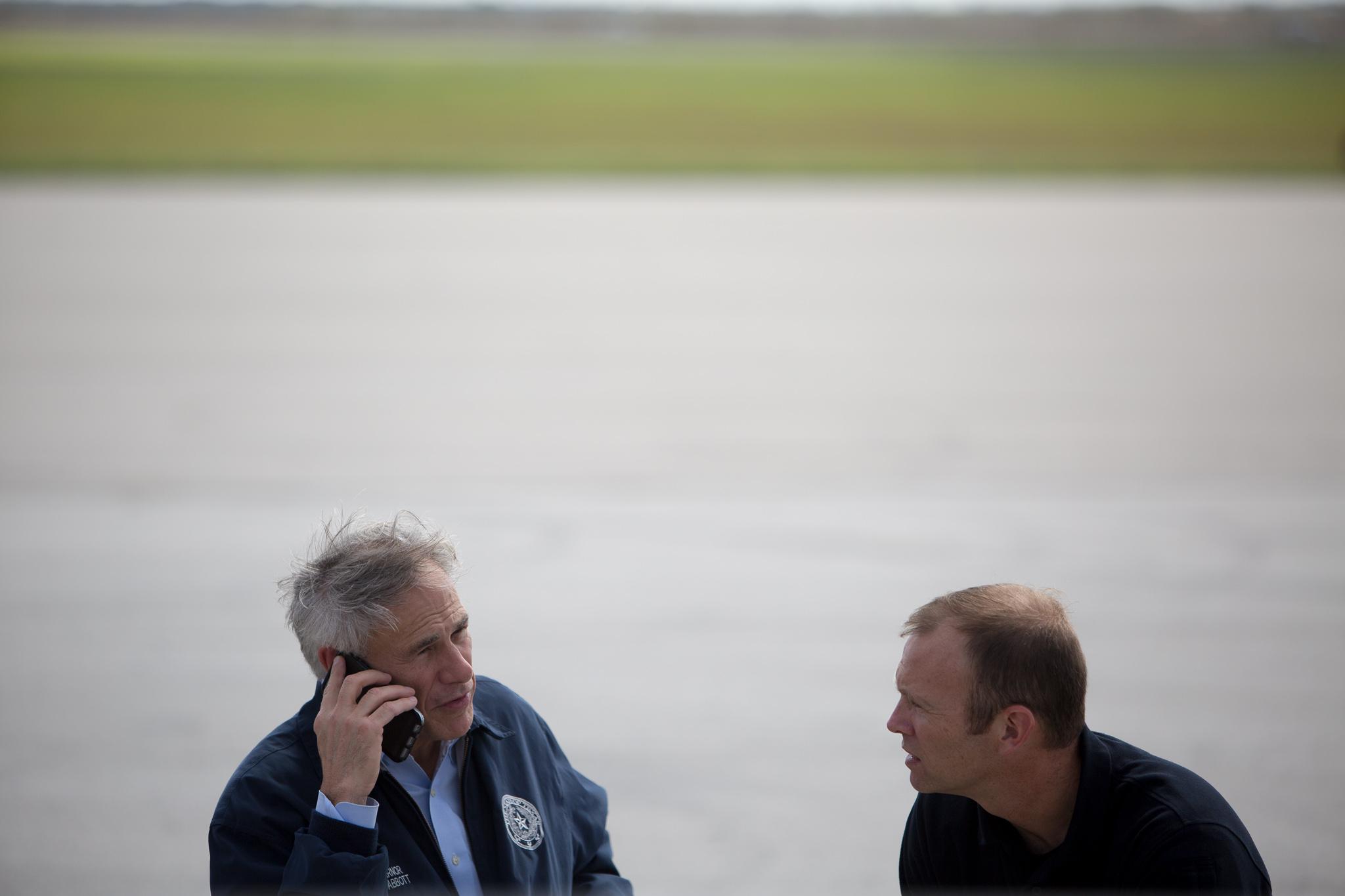 Texas Governor Greg Abbott speaks with FEMA Administrator Brock Long.