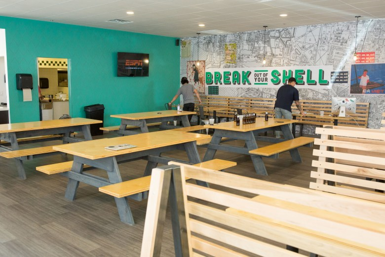 The open style seating encourages patrons to sit anywhere they would like.