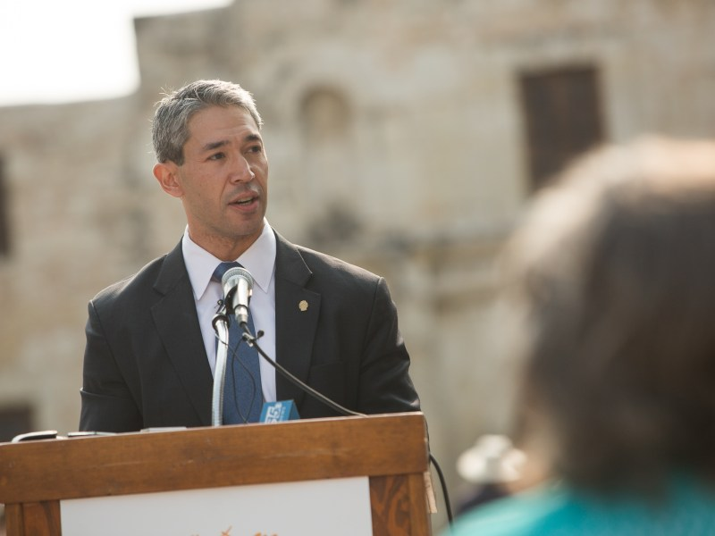 Mayor Ron Nirenberg officially starts the World Heritage Festival with a proclamation.