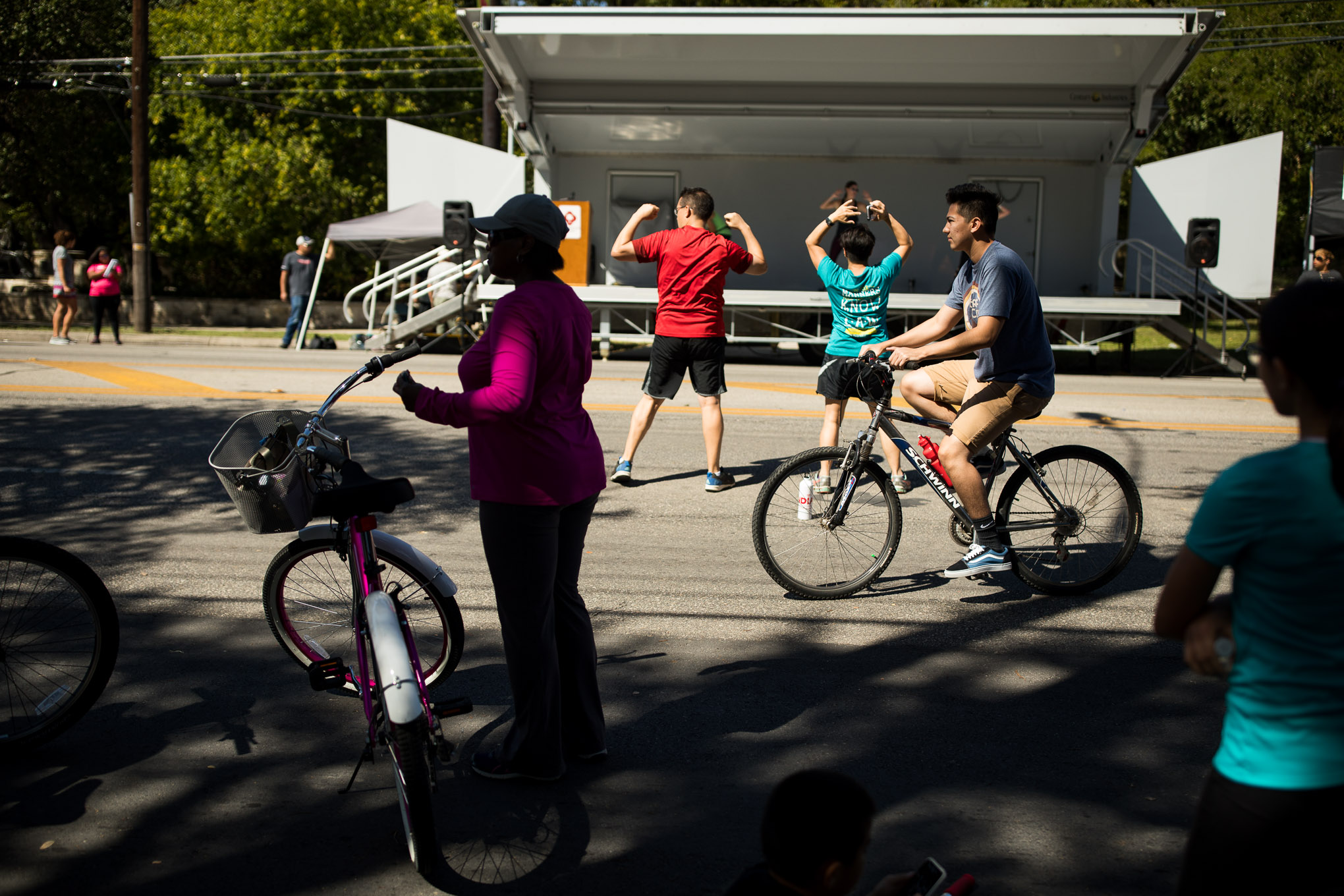 Síclovía attendees work out through a variety of ways during the event.