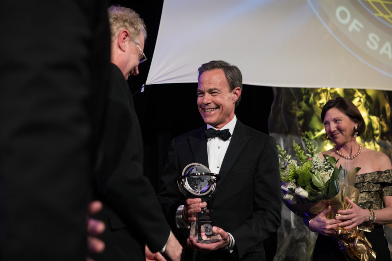 Texas House Speaker Joe Straus (R-San Antonio) receives the International Citizen of the Year Award.