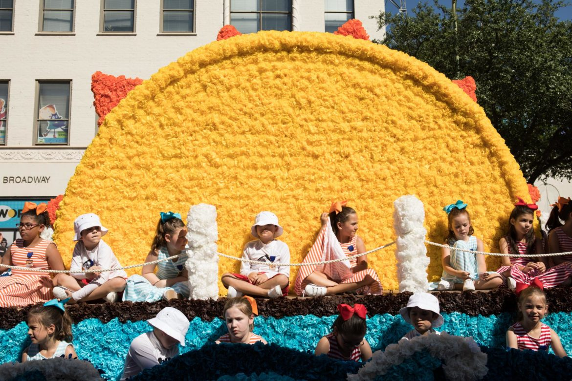 The St. George Episcopal School float.