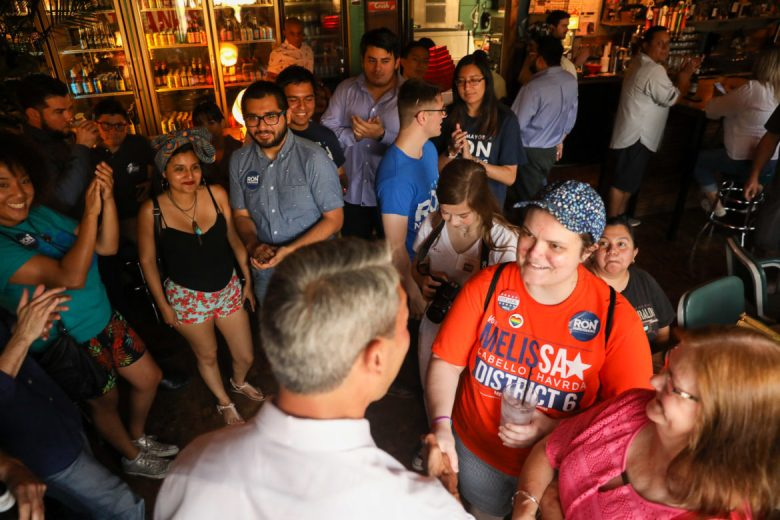 Supporters of Mayor Nirenberg gather and introduce themselves at the Dakota East Side Ice House.