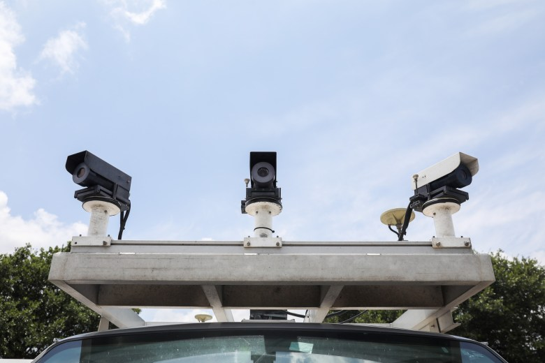 4 cameras monitor the surrounding roadways of the van.